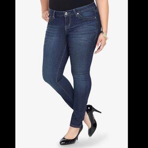 🆕💙Torrid- Dark Wash Skinny Jeans in Tall